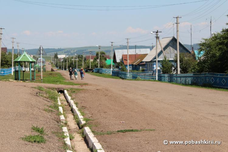 Жители деревни Таваканово