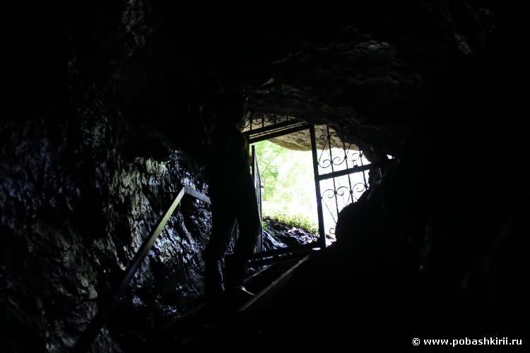 Выход из Новомурадымовской пещеры