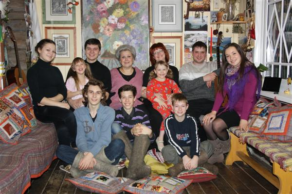 Елена Маньенан и ее дети