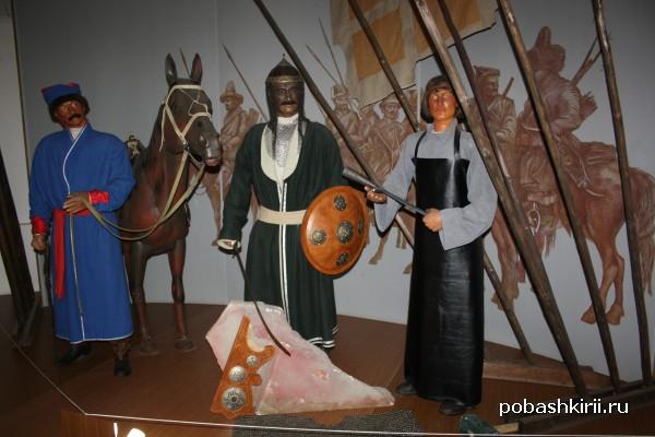 Манекены в музее Салавата в Малоязе