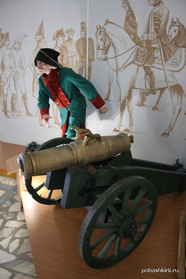 Солдат-пушкарь царской армии