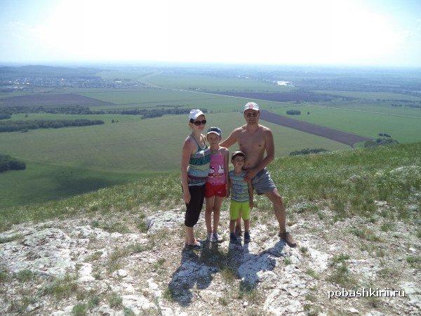 Наша семья на горе Торатау, Тратау