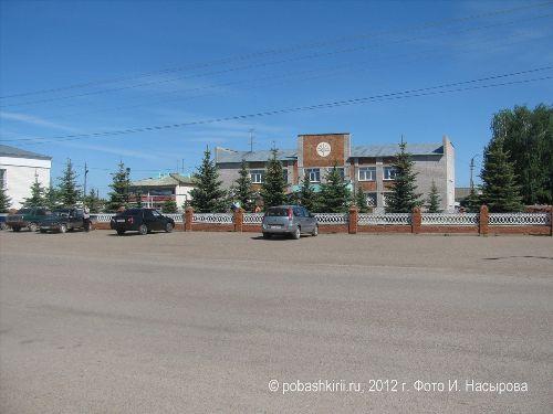 В центре Красной горки Нуримановского района Башкирии