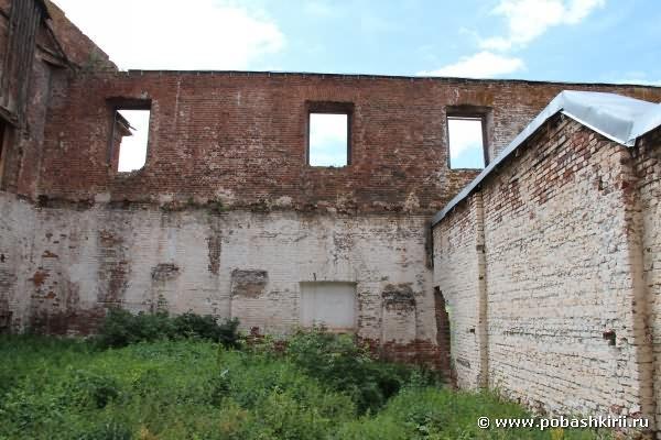 Медеплавильный завод. Двор