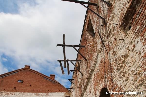 Медеплавильный завод. Стены