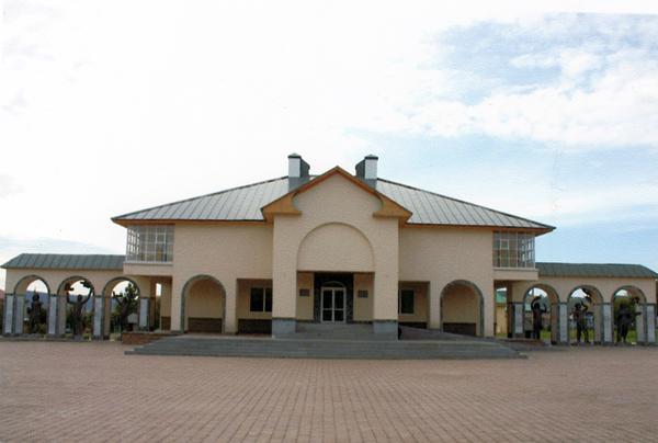 В селе Малояз Салаватского района по адресу ул. Советская, 61а находится музей