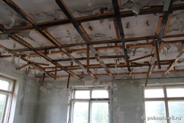 Потолок в клубе