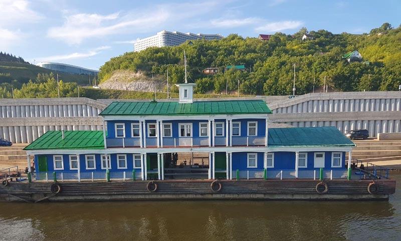 Причал на реке Белой (Агидель) в Уфе, Башкортостан