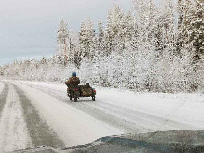 Мотоциклисту из ХМАО зима ни по чем!